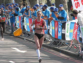 Shobukhova at the 2011 London Marathon
